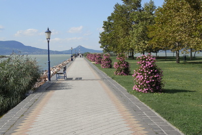 Promenade-Balaton.j